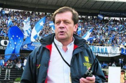 Millonarios lamentó la muerte del monseñor Alirio López, fiel seguidor del conjunto azul.