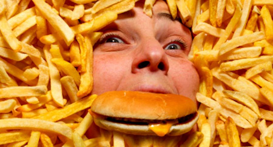 Ley de comida chatarra se hundirá si no hay debate esta semana