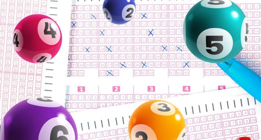 Tiquete de juego de azar y balotas ilustran resultados del sorteo de Baloto del miércoles 16 de junio y ganadores (fotomontaje Pulzo).