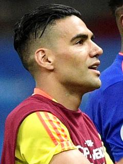 Falcao vuelve a apoyar la Selección Colombia, mientras James se luce con Károl G. Imagen del delantero samario.