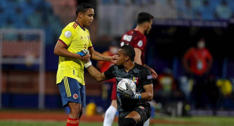 Las buenas atajadas de Wuilker Faríñez en el partido de Colombia vs, Venezuela.