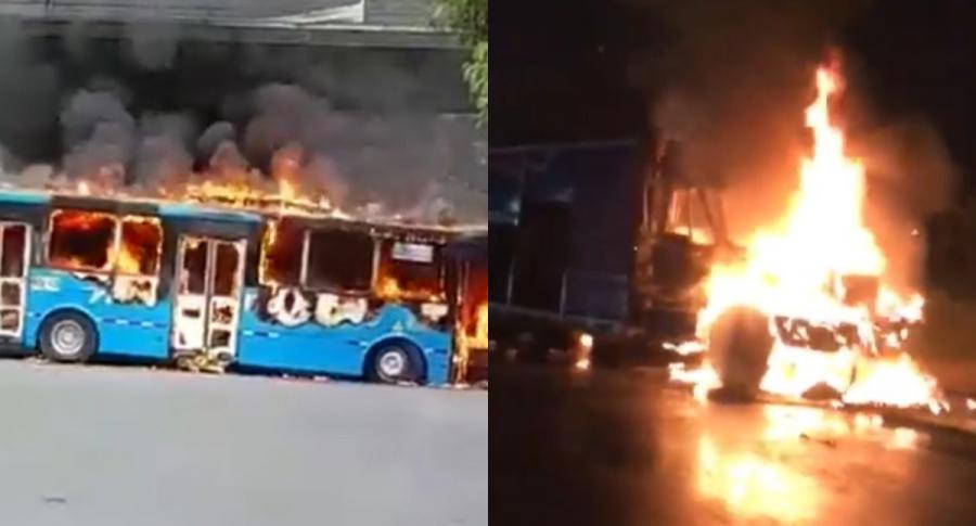 Nueva jornada de disturbios en Cali dejó dos vehículos incinerados.