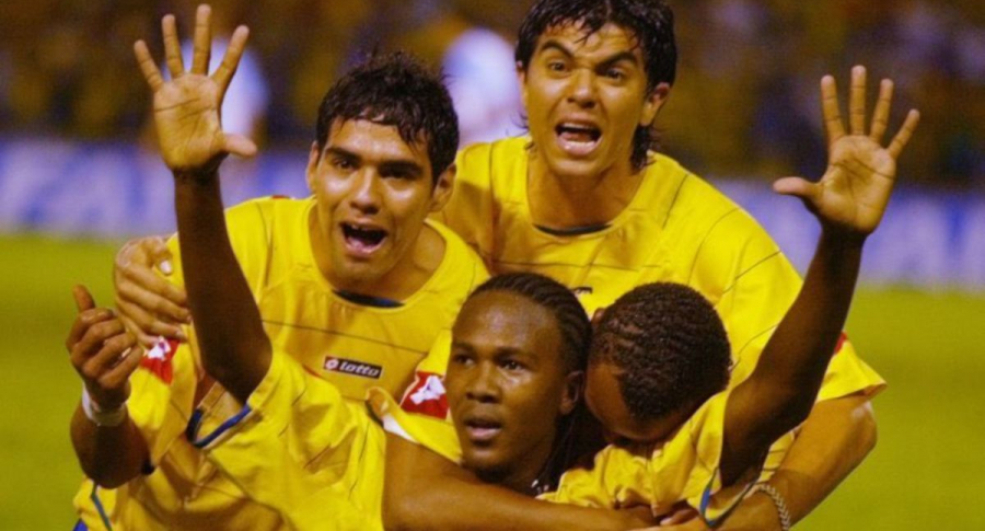 Foto de Hugo Rodallega, en Suramericano Sub-20 de 2005, con Falcao García, en nota de rumor con América de Cali.