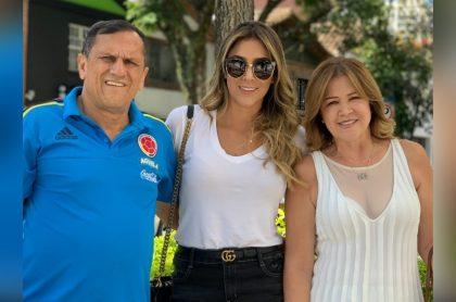 Foto de Hernán Ospina, Daniela Ospina y Lucía Ramírez, a propósito de que la exesposa de James Rodríguez recordó los últimos día de vida de su papá