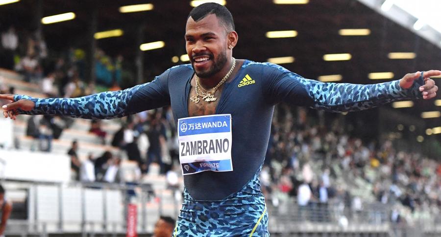 Anthony Zambrano vence al campeón olímpico, el surafricano Wayde van Niekerk. Imagen del atleta colombiano.