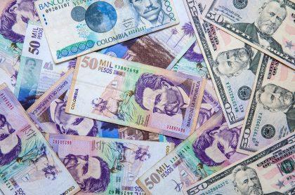 Imagen de dinero que ilustra nota; Bogotá: hombre llevaba en camioneta Lexus $1.880 millones