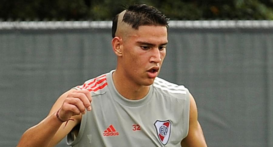Trasquilada al colombiano Flabián Londoño Bedoya en pretemporada de River Plate. Imagen del jugador