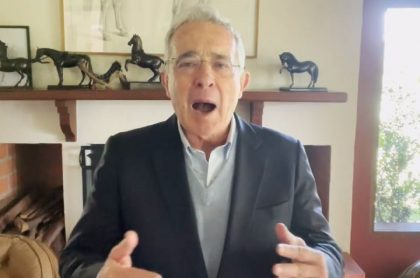 Álvaro Uribe declaró por chuzadas del DAS y negó responsabilidad de su gobierno