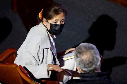 Íngrid Betancourt, en evento de la Comisión de la Verdad, donde se encontró con sus secuestradores de las Farc