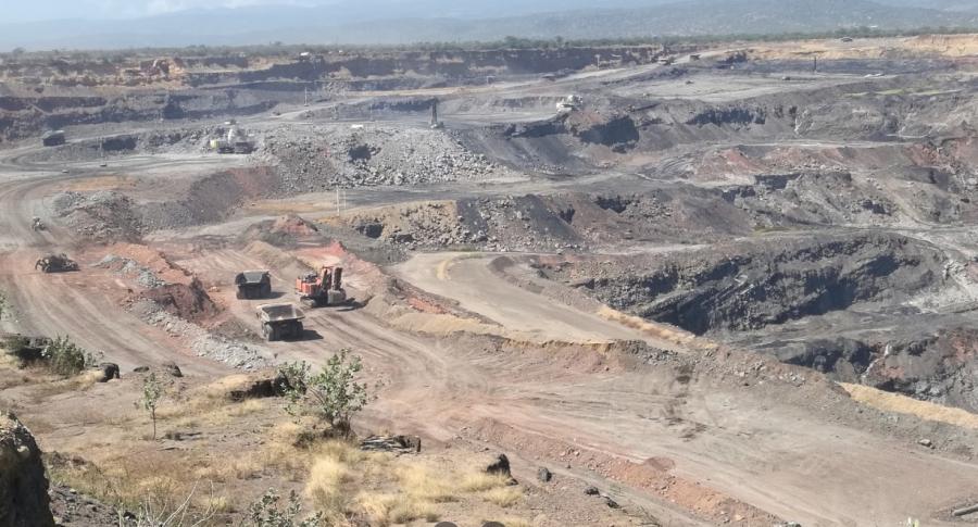 Foto de Google Maps de la mina Cerrejón, en La Guajira, cuyo único dueño será la multinacional Suiza Glencore.