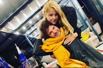 Foto de Johana Bahamón y Andrés Cabas, en nota de famosos que son amigos de sus exparejas.