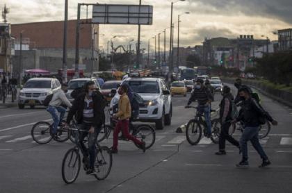 La calle 13 volverá a tener un carril más con al retiro del bicicarril.