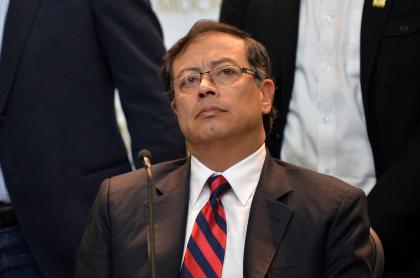 Gustavo Petro, senador de la República, celebra que Corte no admitió denuncia en su contra por protestas