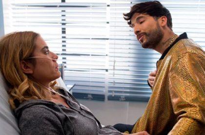 Carolina Ramírez contó en Twitter la asquerosa anécdota que tuvo con Carlos Torres durante escena de 'La reina del flow', de Caracol Televisión.