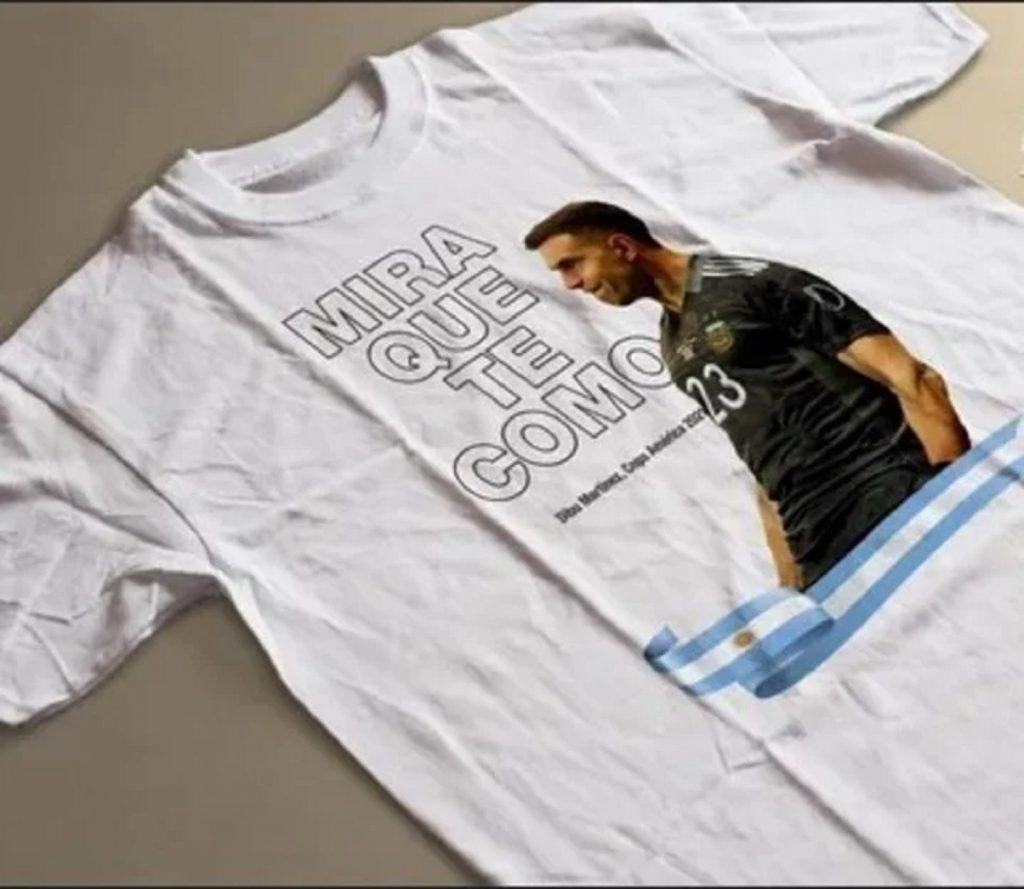 Camiseta con la frase de 'Dibu' Martínez / Vía Olé