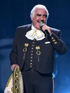 Vicente Fernández, que fue hospitalizado de emergencia
