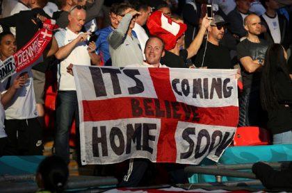 Imagen de partido de Inglaterra que ilustra nota; Eurocopa: UEFA investigará a Inglaterra por un láser contra Dinamarca