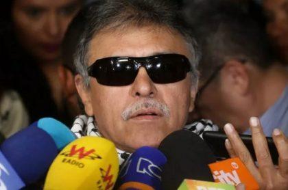 Semana reveló una fotografía de Seuxis Pausias Hernández Solarte, alias 'Jesús Santrich', después de que fue abatido en Venezuela.