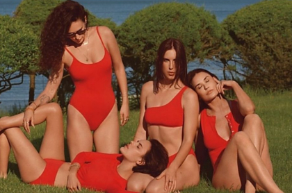 Rumer, Scout y Tallulah Willis, hijas de Bruce Willis, junto a su mamá Demi Moore, en campaña para Andie