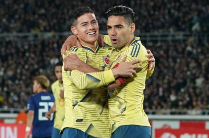 Foto de James Rodríguez y Falcao García, en nota de saludo de Falcao a James por su cumpleaños con fotos de Selección Colombia.