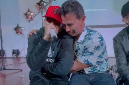 Andy Rivera y su padre Jhonny Rivera, en nota de hijos de famosos que son cantantes de reguetón.