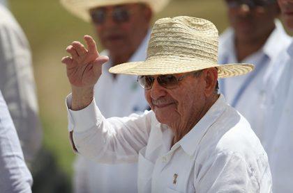 Foto de Raúl Castro llegando a Venezuela por protestas en Cuba es vieja