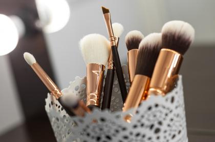 Foto de brochas de maquillaje, a propósito de para qué sirven y cómo usarlas