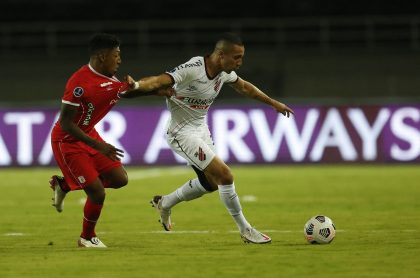América de Cali debutó en Copa Sudamericana con derrota ante Atlético Paranaense.