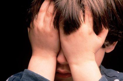 Niño de 8 años salta de balcón para huir de su padre maltratador, en Bello