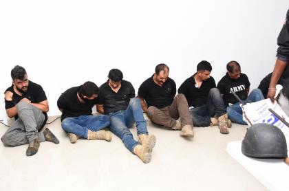 Exmilitares colombianos detenidos en Haití estarían siendo torturados.