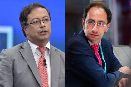 El senador y precandidato presidencial Gustavo Petro y el ministro de Hacienda, José Manuel Restrepo.