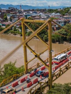 Foto del puente Mariano Ospina entre Girardot y Flandes, en nota del cierre de esa estructura y qué vías alternas se pueden tomar.