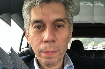 Daniel Coronel en selfi ilustra quién es él, su salida de Univisión, su exilio por amenazas, sus investigaciones y más.