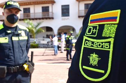 Códigos QR de nuevos uniformes de la Policía no sirven, denuncian ciudadanos.