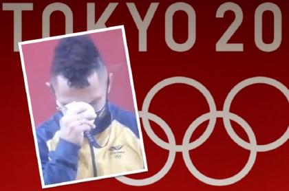 Video de Luis Javier Mosquera llorando al recibir medalla de plata en los Juegos Olímpicos de Tokio 2020.