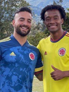 Juan Guillermo Cuadrado y Maluma, quienes se encontraron para jugar un partido de fútbol.