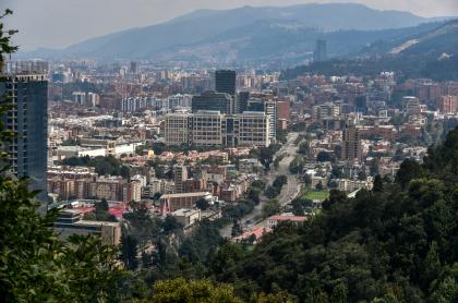 Foto panorámica de Bogotá, en nota de qué zonas son recomendadas para comprar, según expertos.