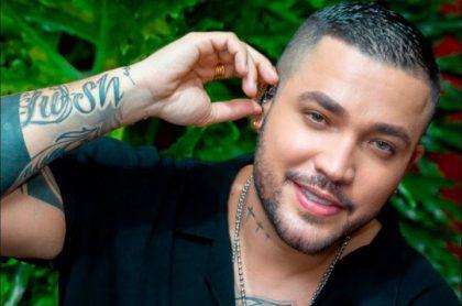 Jessi Uribe, cantante de música popular, que desató polémica por video junto a señalado narcotraficante del Clan del Golfo