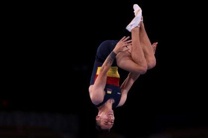 El colombiano Ángel Hernandez compitió en gimnasia en trampolín en Tokio 2020.