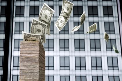 Dólar hoy en Colombia se volvió a subir de los 3.900 pesos y registra nueva alza este 3 de agosto de 2021.