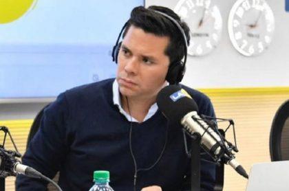 Luis Carlos Vélez, quien recibió amenazas por su trabajo periodístico