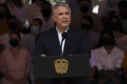 Pedirán que investiguen al  presidente Iván Duque por participación indebida en política.