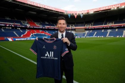 Lionel Messi se presenta como nuevo jugador del París Saint-Germain este miércoles.