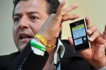 Hugo Ospina, indignado por alianza entre TaxExpress y Uber