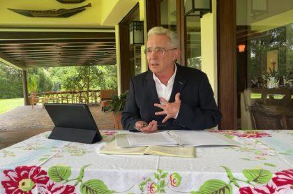 Álvaro Uribe en Comisión de la Verdad dice que soldados lo engañaron