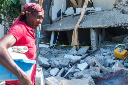 Terremoto de Haití deja más de 1.400 muertos y 6.900 heridos; riesgo de tormenta. Imagen de la tragedia.