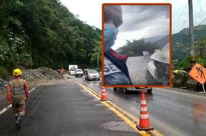 Imagen de la camioneta afectada por una piedra, en la vía al Llano, y de los trabajos para abrir la carretera