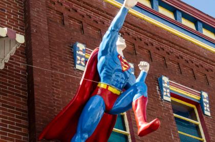 DC Comics planea un Superman gay