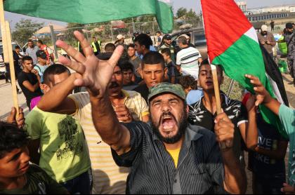 Choques entre Palestina e Israel dejan más de 40 heridos; un niño fue baleado. Imagen de manifestantes de la Franja de Gaza.