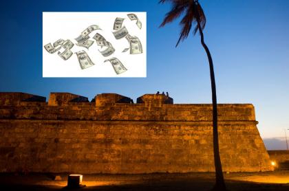 Turista regaló dólares en Cartagena e hizo pelear a turistas y locales.